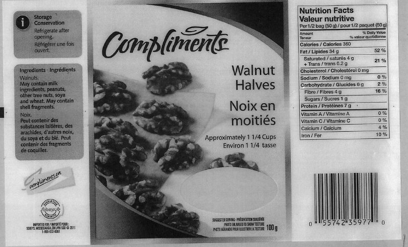 Compliments Walnut Halves