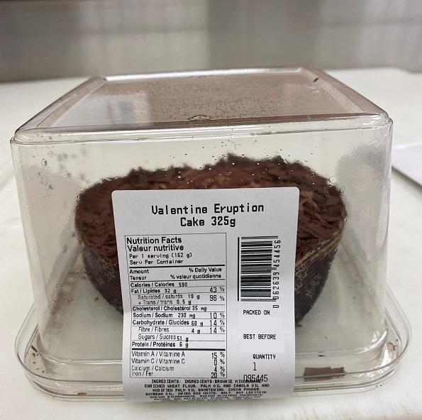 Aucune – vendu par Save-On-Foods – « Valentine Eruption Cake » – 325 grams